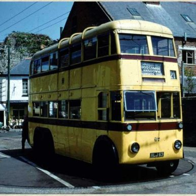 Trolley Bus on Christchurch Turntable | CHS Archive